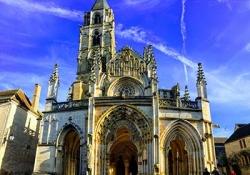 Chateauneuf-en-Auxois - Vezelay - Fontenay Abbey